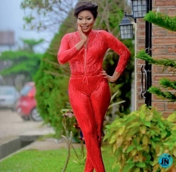 """""""Bestie wey dey feed you with urine"""" – Doris Ogala says as she exposes the ugly deeds between Uche Elendu and Benedict Johnson"""